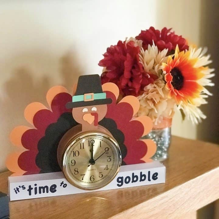 Fun Thanksgiving Paper Clocks
