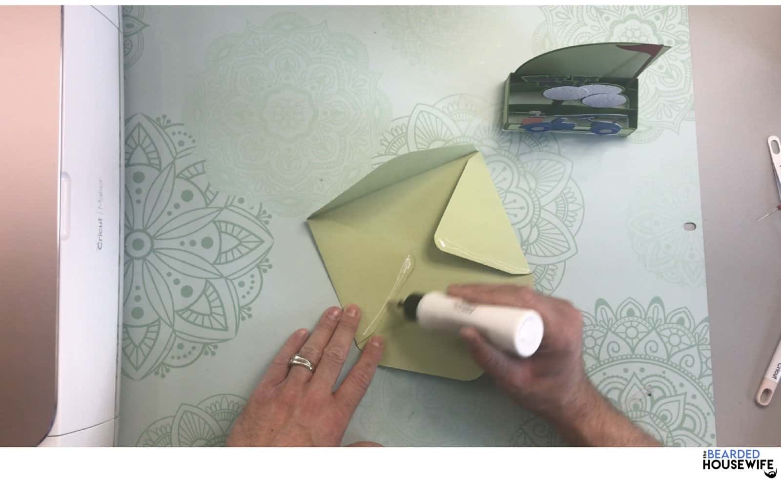 add glue to the side flaps