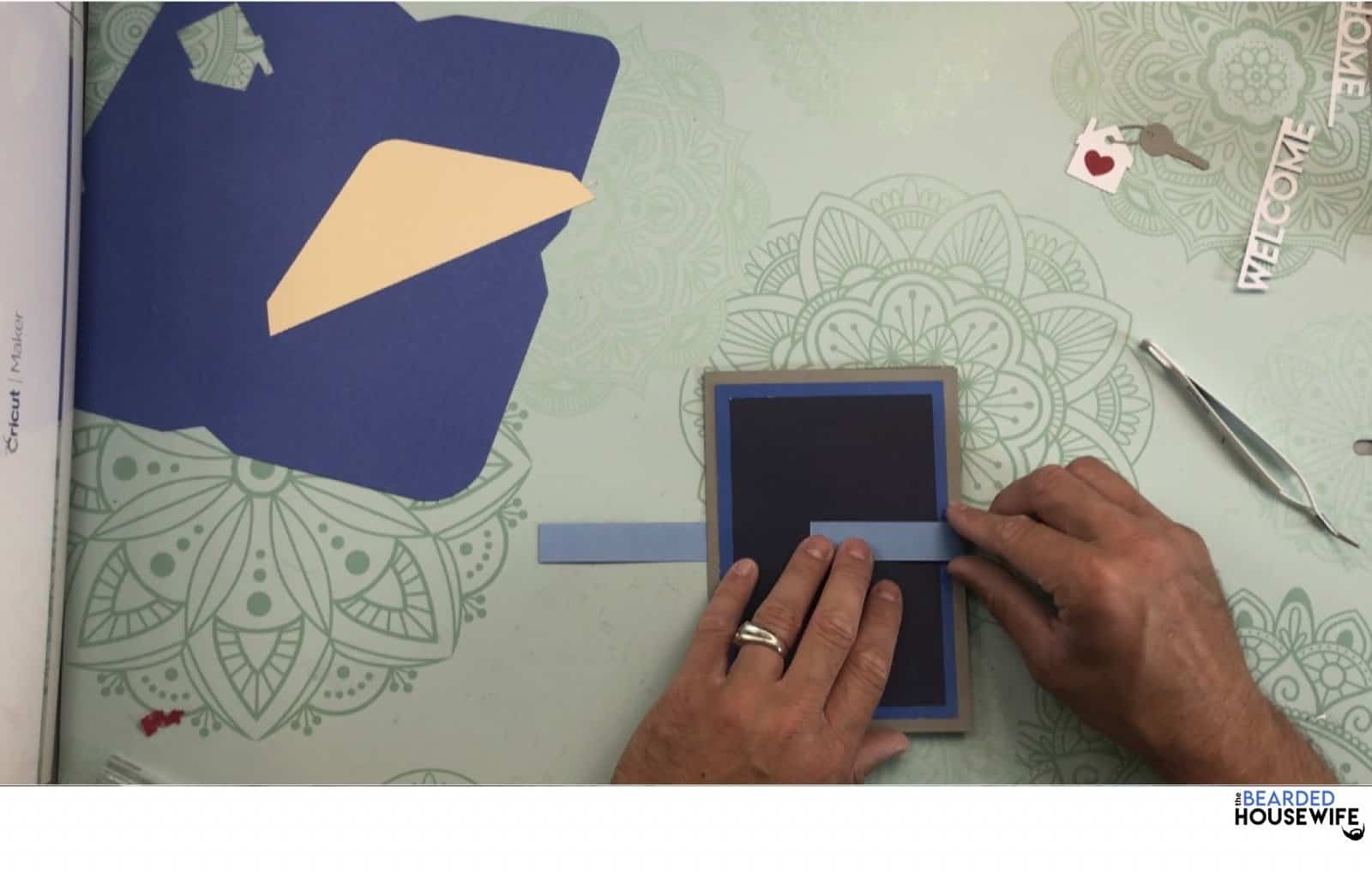 wrap the belly band around the card